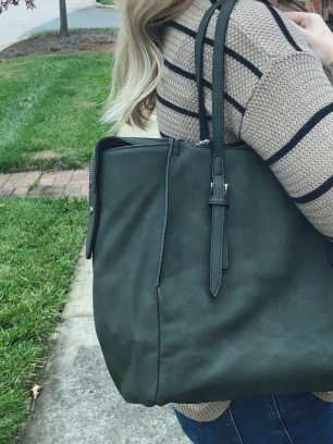 URBAN EXPRESSIONS AMHERST MULTI-ZIP TOTE
