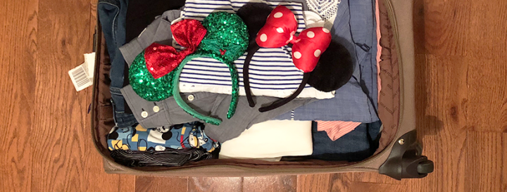 What's in My Suitcase /// Packing for Our Christmas Honeymoon at Disney World